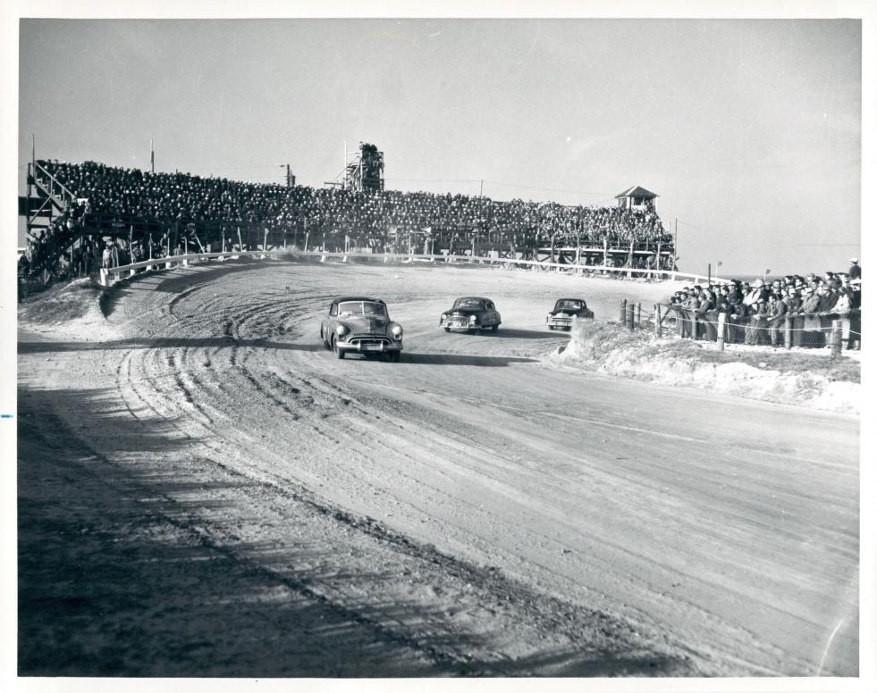 Daytona Racing On The Beach 1951