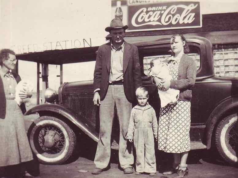 Amerika - nekada davno - Page 2 Depression-Era-Family