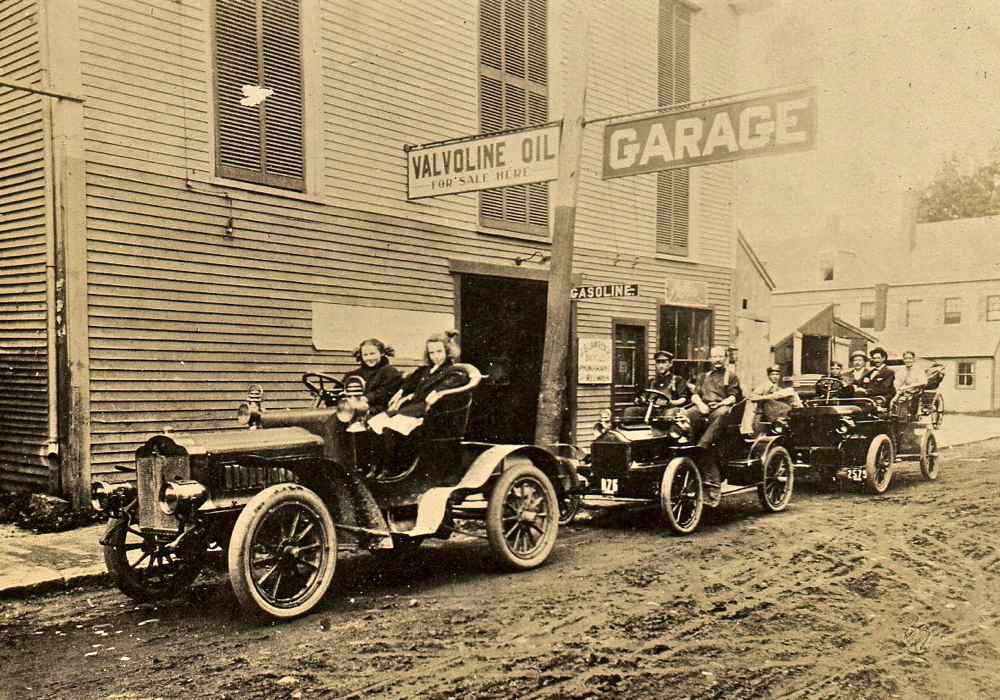 An Early Motoring Scene | The Old Motor