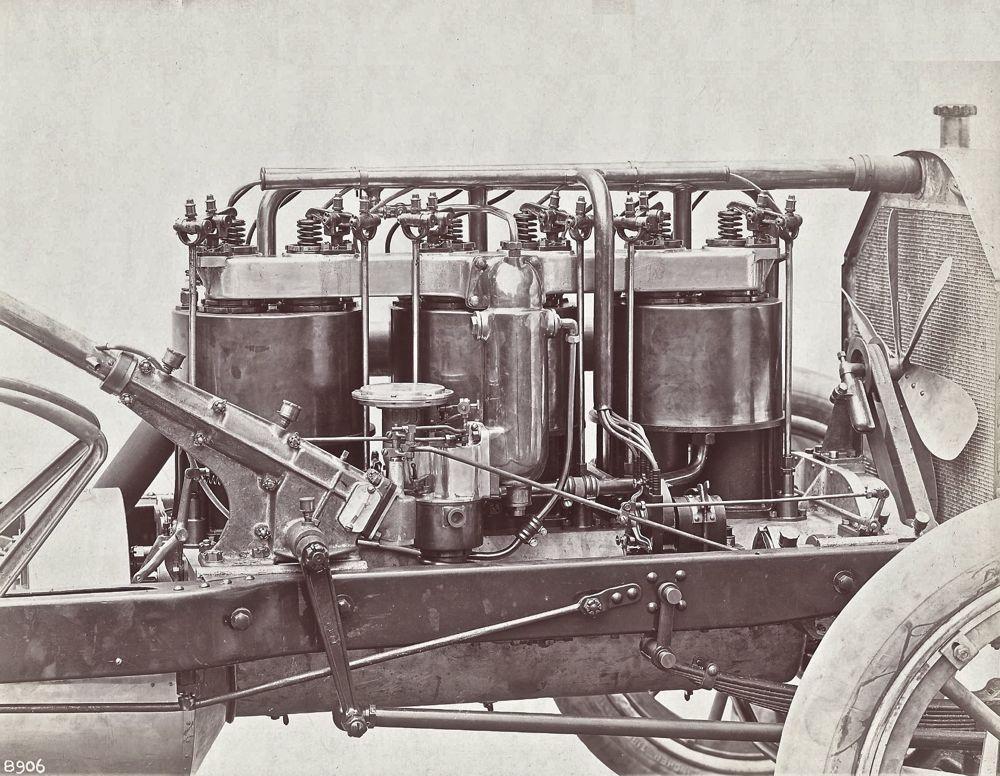 Model-19-engine-right.jpg