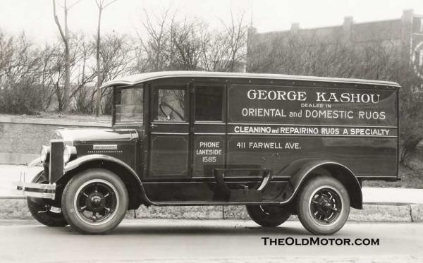 A Diamond T Trucks The Old Motor