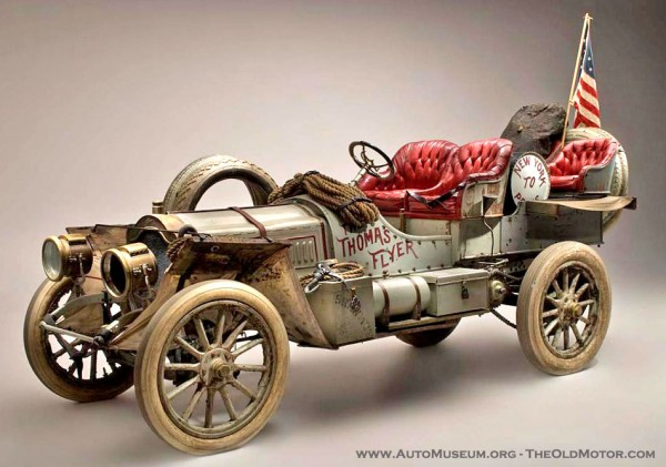 1907 Thomas Flyer1