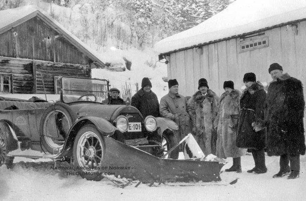 Early Snow Plows in Norway   The Old Motor