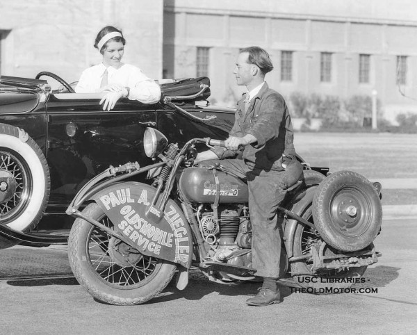 Oldsmobile Get's a Straight Eight in 1932 – The Cycletow Conversion | The Old Motor