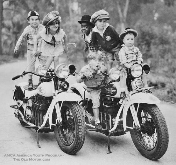Vintage Motorcycle Gang Hot Girls Wallpaper