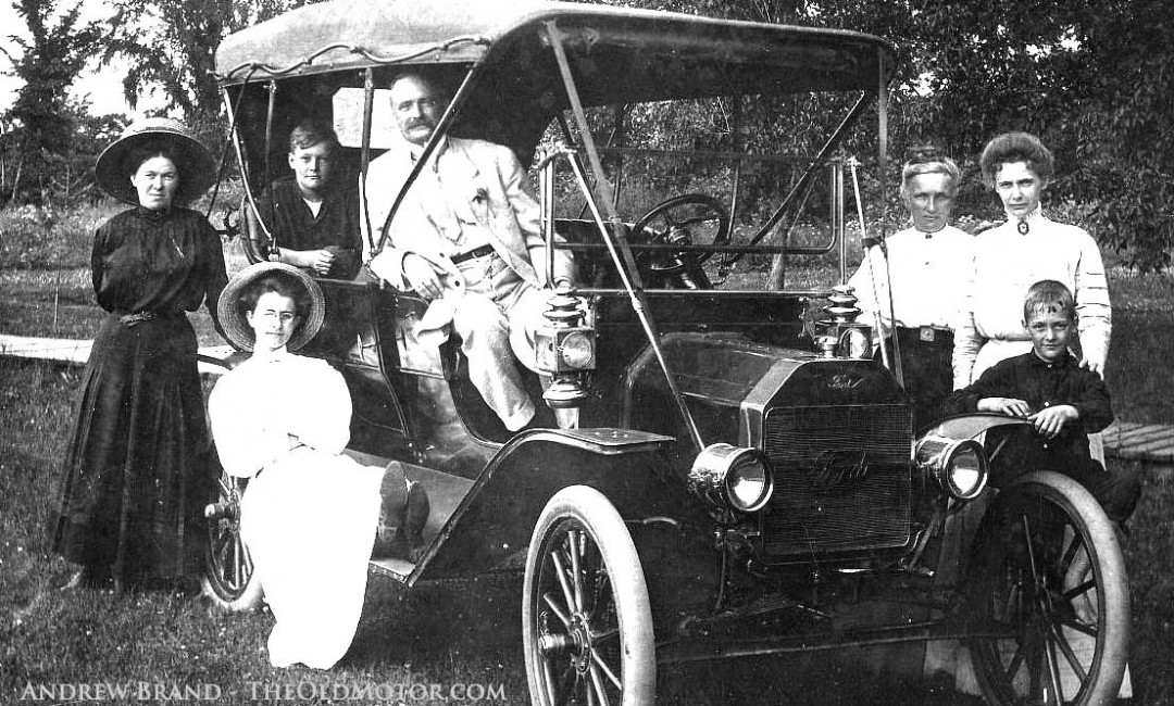 Pride Of Ownership Family Photos With A 1909 Model T