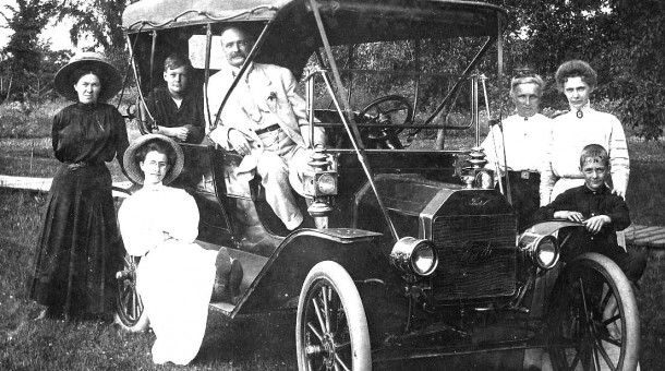 1909 Model T Ford Touring Car