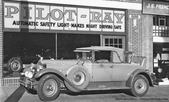 1929 Packard with Pilot-Ray Self-Steering Automatic Safety Lights