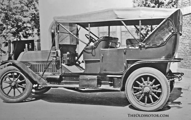 1910 Thomas-Flyer 6-70 Seven  Passenger Touring Car