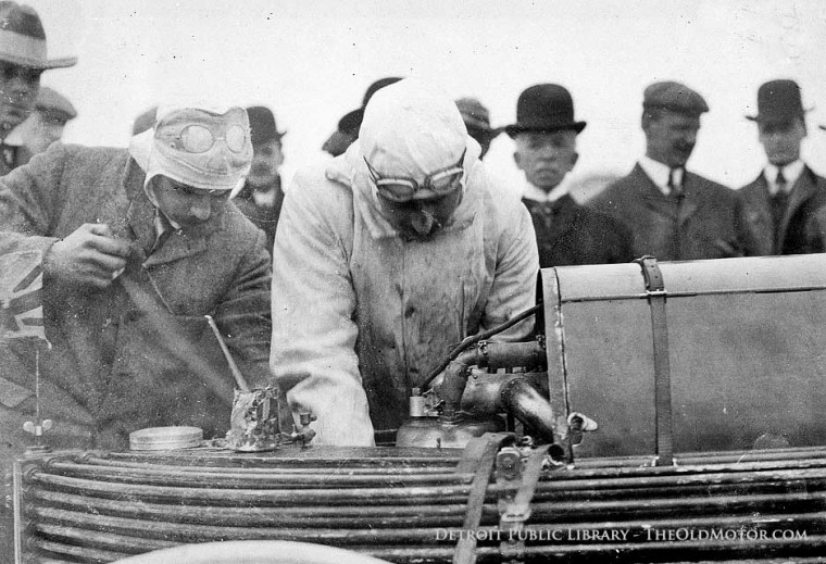 Clifford Earp and 1906 Record-Setting Napier on Daytona Beach
