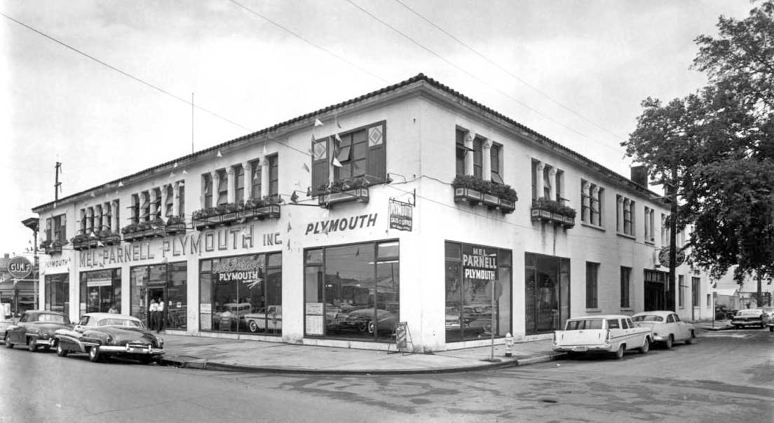 Used Car Dealerships In New Orleans >> Packard – New Orleans – Fading Old-Line Luxury in The Big ...