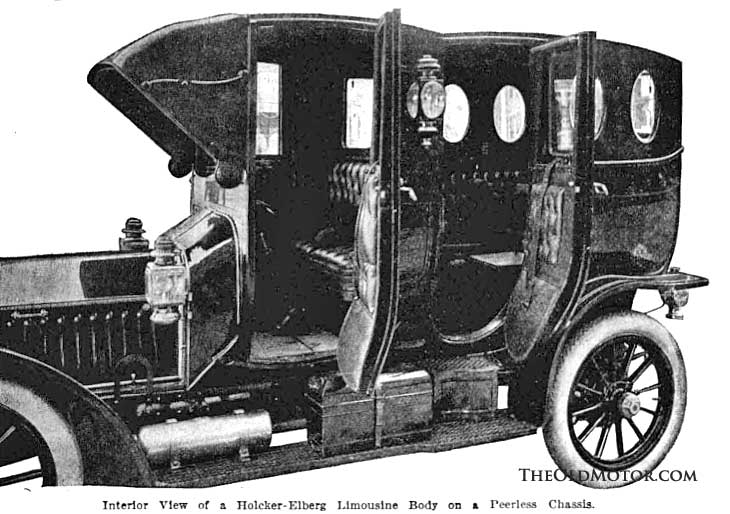 1908 Peerless limousine bt the Holcker-Elberg Carriage & Rubber Co. of Kansas City