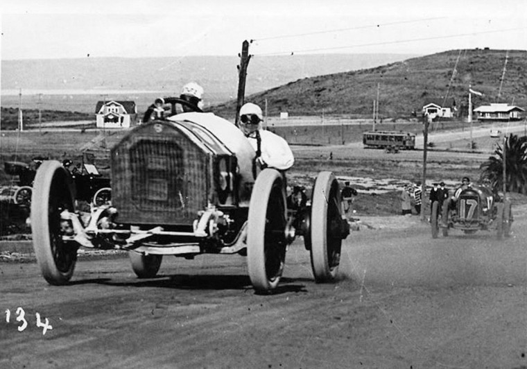 Earl Cooper and his Stutz at The 1915 San Diego Exposition Road Race.