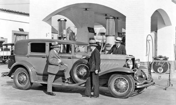"Model ""J"" Duesenberg with Fred Duesenberg and Harry Miller"
