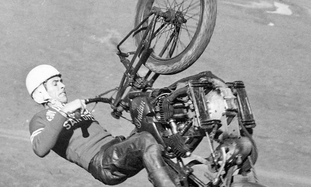 1948 FLOYD EMDE-SAN DIEGO CA INDIAN MOTORCYCLE RACING DAYTONA RACE WINNER PHOTO
