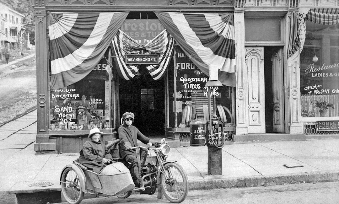 Effie and Avis Hotchkiss The First Women To Ride a Motorcycle Cross Country in 1915 Harley-Davidson