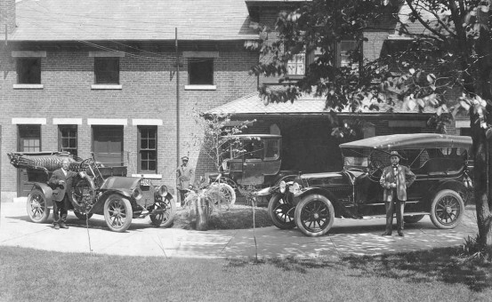 A Brewer's Pair of Speedwell's and an Electric Car in Dayton, Ohio