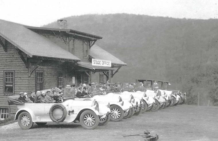Pierce-Arrow Auto Stage cars on Mount Washington