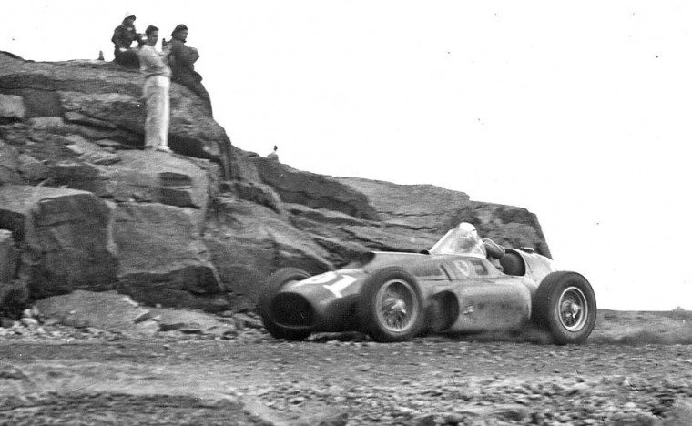 Carroll Shelby in his Ferrari climbs Mount Washington