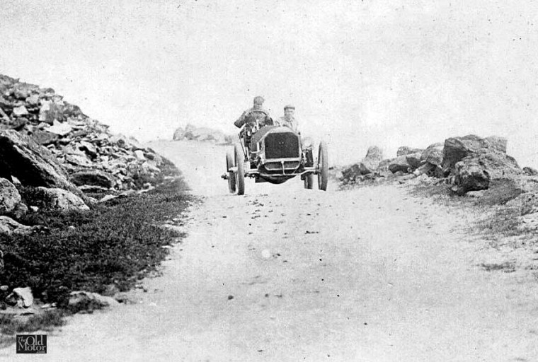 Harry Harkness in a 60 h.p. Mercedes on Mount Washington