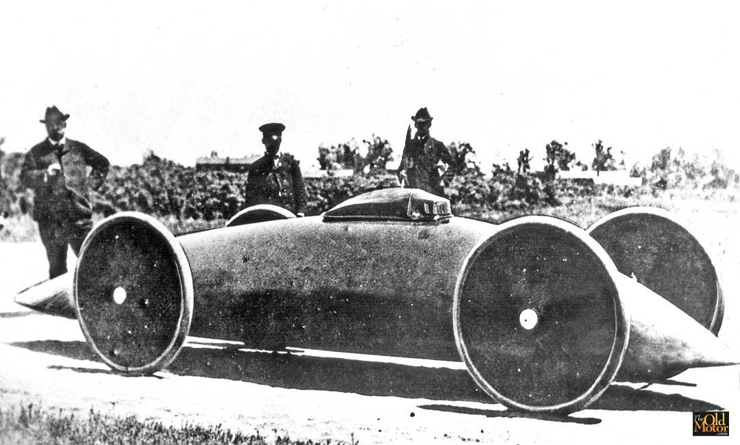 Walter Baker's 1902 Torpedo racing car.