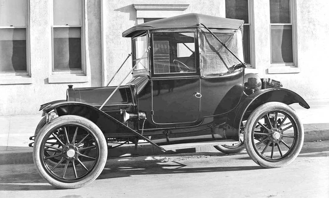 1912 Waverly Electric Sheltered Roadster