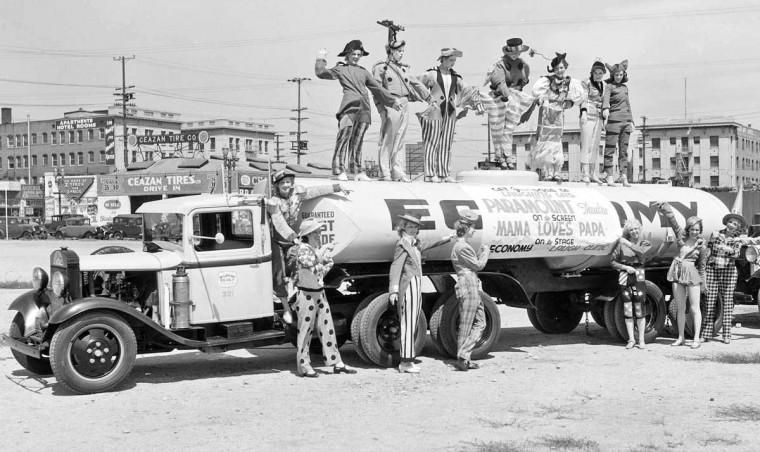 1932 Ford Gasoline Tanker