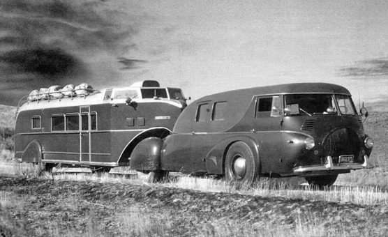 1938 Reo Tractor and Curtiss Aerocar