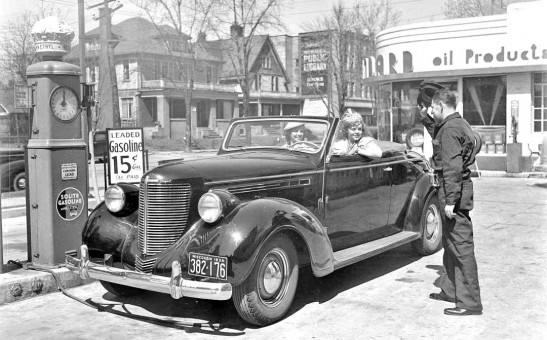 1938 Crysler Royal convertible