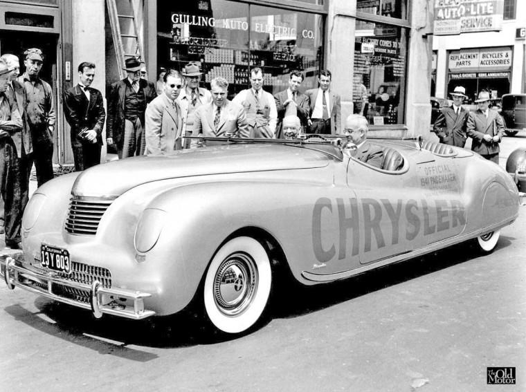 1941 Chrysler Newport phaeton 1