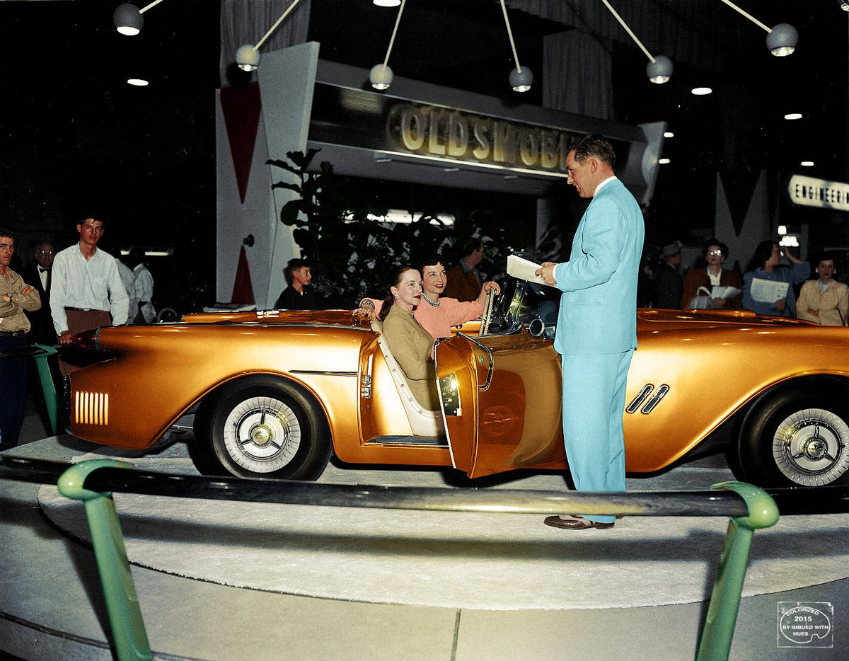 Gm Concept Cars Come Alive In Color By Imbued With Hues The Old Motor 1954 Buick Wildcat Ii Pontiac Bonneville Motorama Car