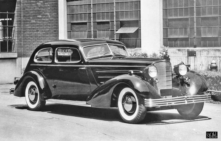 Cadillac 1933 Aero Dynamic cpe