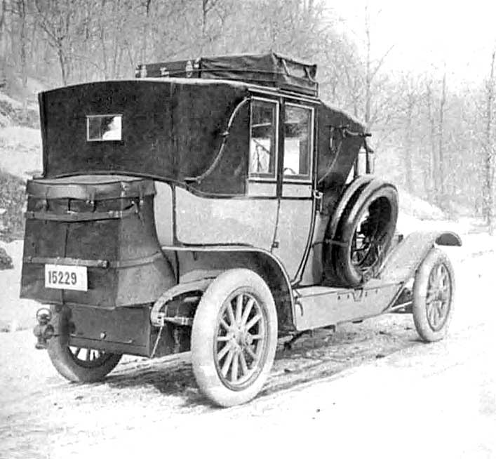 1910 Pierce-Arrow Traveling Landau