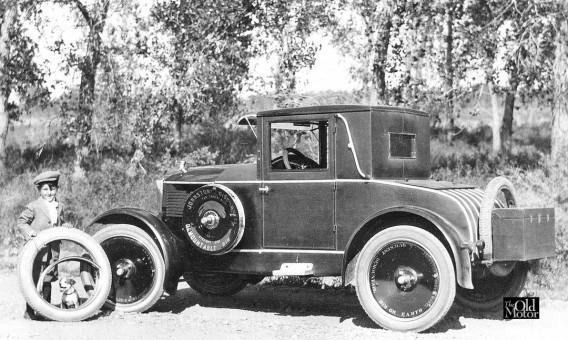 Johnston Disc Wheel Moon Coupe