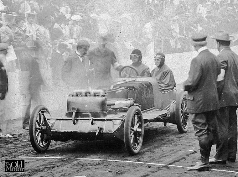 1906 Christie Vanderbilt Start