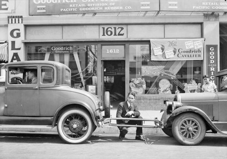 1931 Goodrich Silvertowns Tube Demo
