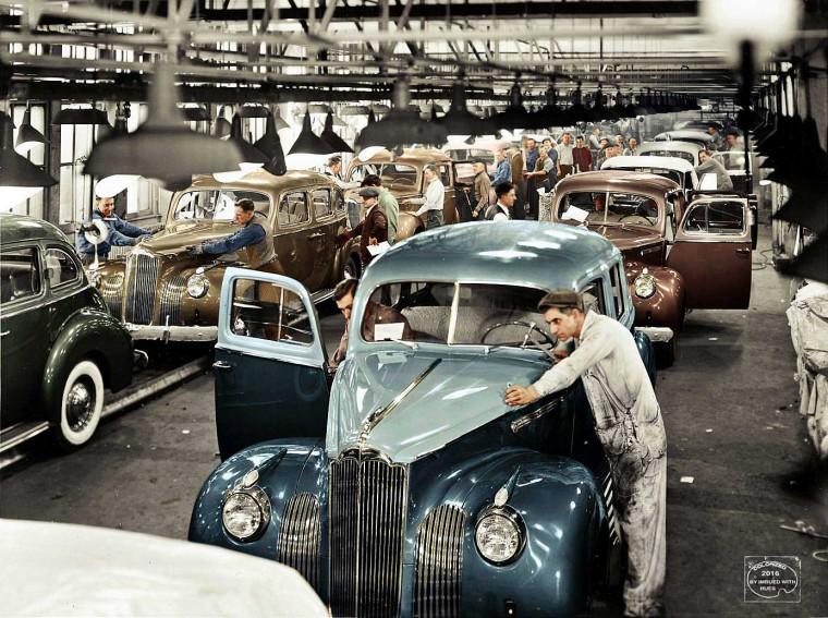 1941 Packard final assembly line.