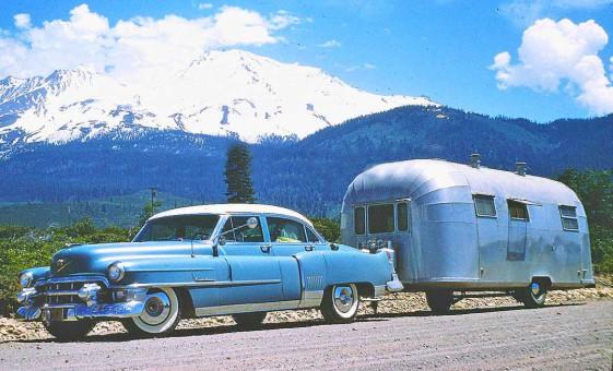 1950s Cadillac - Avion Trailer