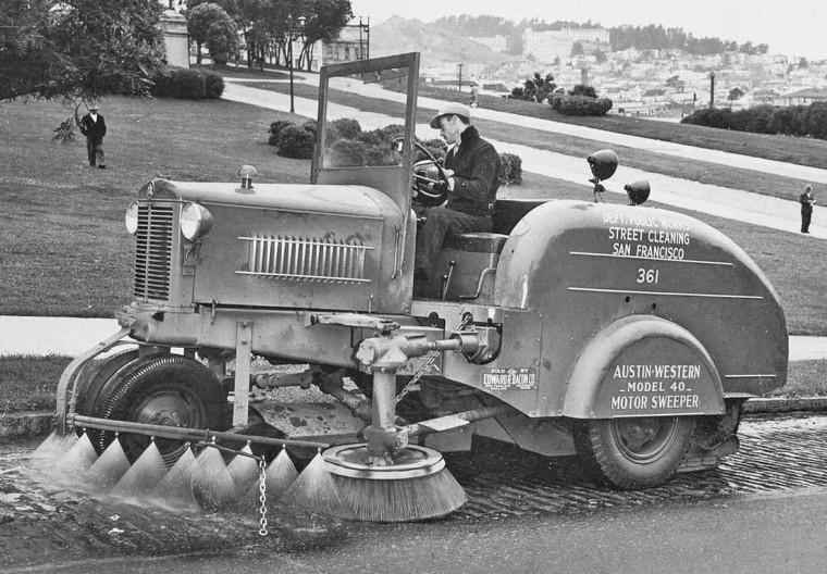 Austin-Western Motor Sweeper