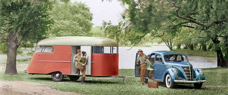 Streamlite Camp Trailer and 1937 Lincoln Zephyr