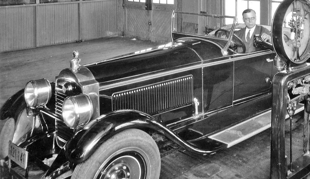 packard 336 roadster on a chassis dynamometer in detroit the old motor. Black Bedroom Furniture Sets. Home Design Ideas