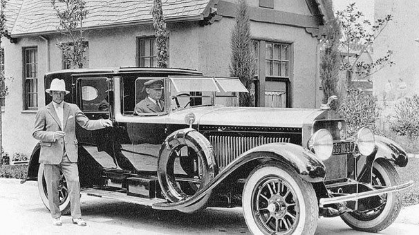 Rudolph Valentino and his mid-1920s Isotta-Fraschini Town Car