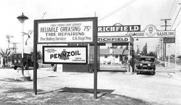 Richfield - Gilmore - Penzoil Gas Station 1930