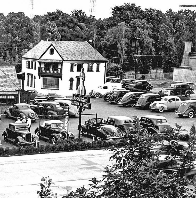 1930s Drive-in Sandwich Shop-Prewar Cars