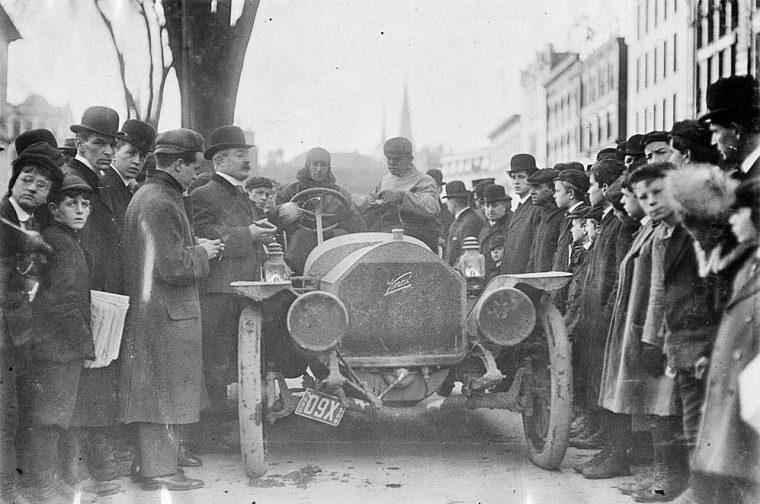 Knox Car on 1909 NY-Boston Run