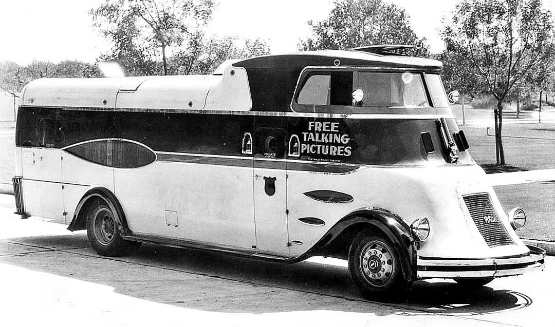 Movie-Theater-on-Wheels-1931--1080x637.j