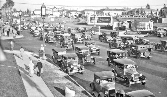 Wilshire Boulevard Traffic 1930