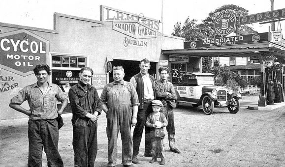 Amador Garage Associated Gasoline Cycol Motor Oil Circa 1925