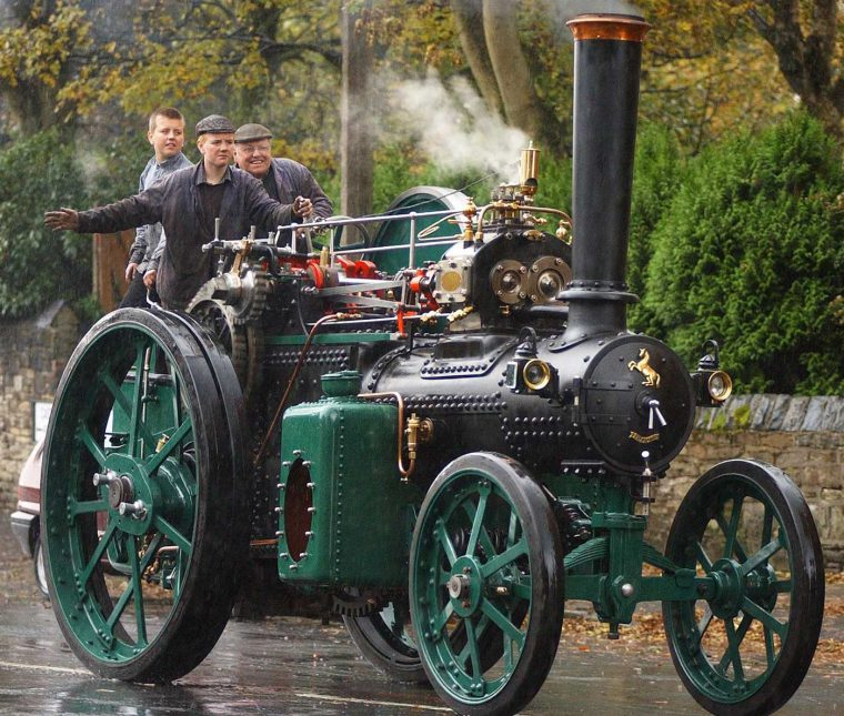 Fred Dibnah's 1912 Aveling and Porter convertible tractor