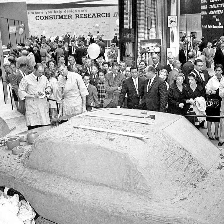 Detroit Auto Show - Cobo Hall -1960-5